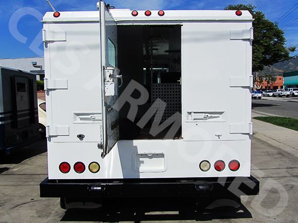 1995-Refurbished-Ford-F800-Armored-Truck-5