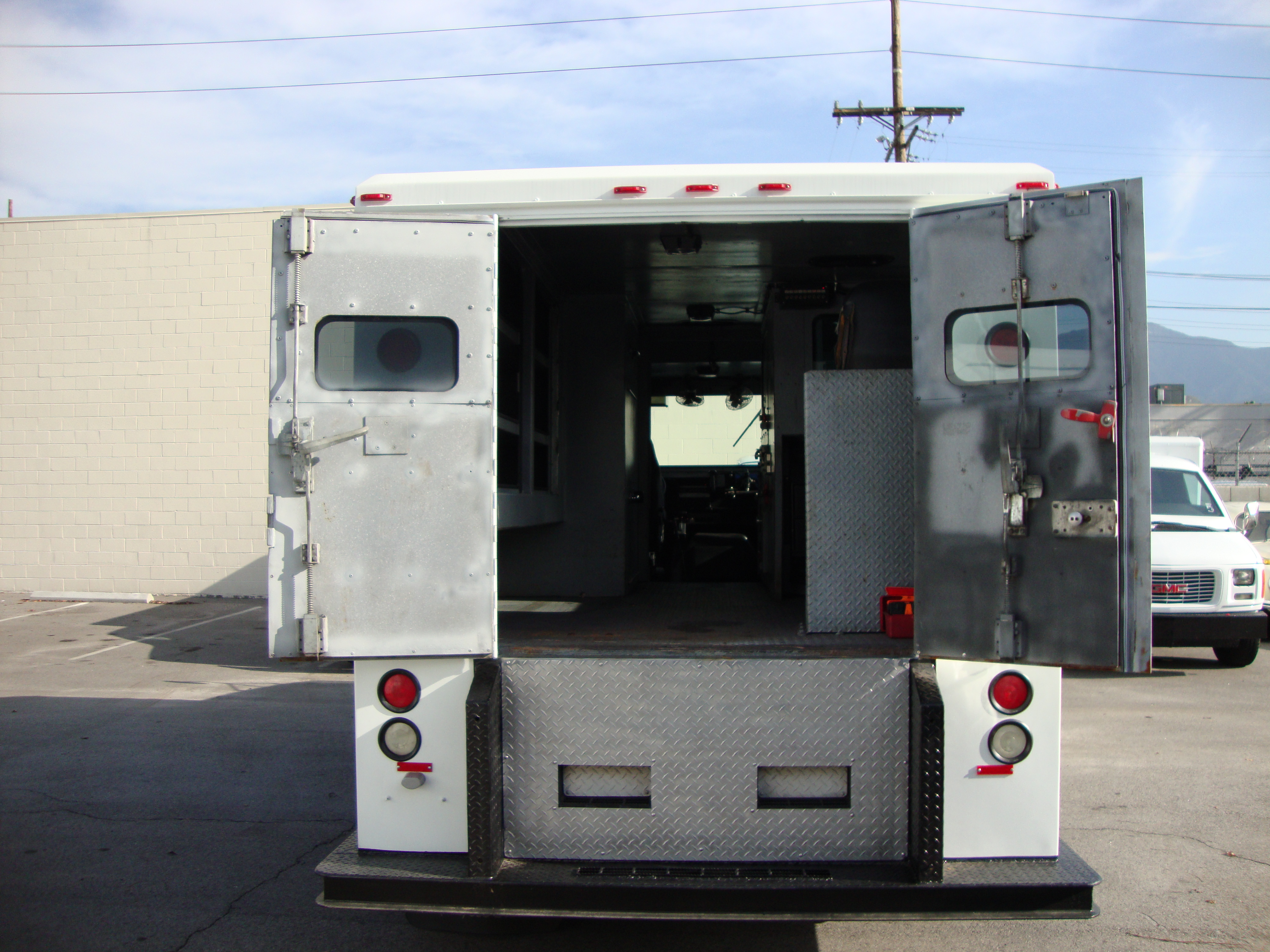 cheap used armored vehicles for autos weblog. Black Bedroom Furniture Sets. Home Design Ideas