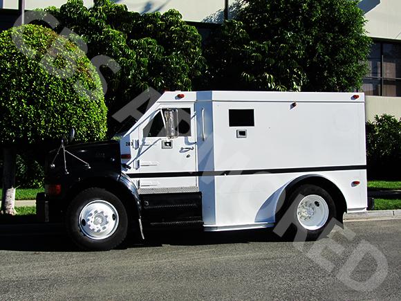 283---1998-International-4700-DT466-Truck-3